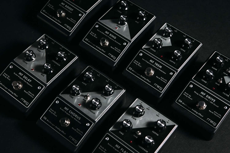 announcing minifooger analog effects for guitar bass moog. Black Bedroom Furniture Sets. Home Design Ideas