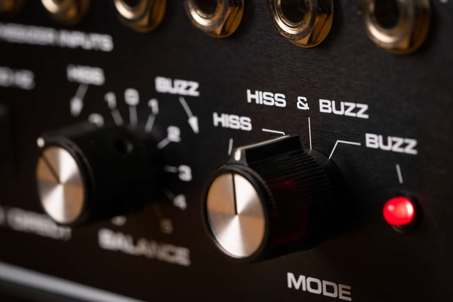 Moog Vocoder Hiss and Buzz
